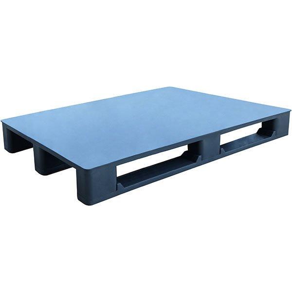 closed deck stackable plastic pallet