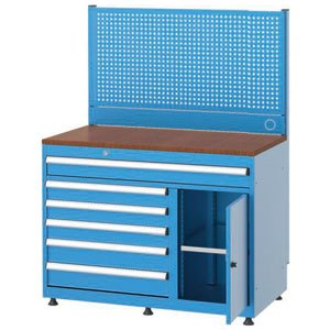 Radni-stol-sa-panelom-za-alat-3432